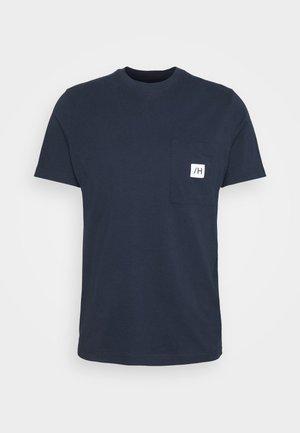 SLHENZO POCKET O NECK TEE - Jednoduché triko - navy blazer