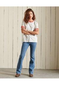 Superdry - VINTAGE LOGO  - Basic T-shirt - off white marl - 1