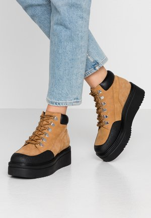 TARA - Ankle boots - golden oat