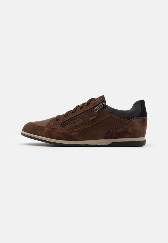 RENAN - Baskets basses - dark brown/cognac