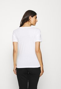 Guess - GENNY TEE - T-shirts med print - true white - 2