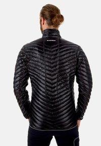 Mammut - BROAD PEAK LIGHT - Down jacket - black-phantom - 1