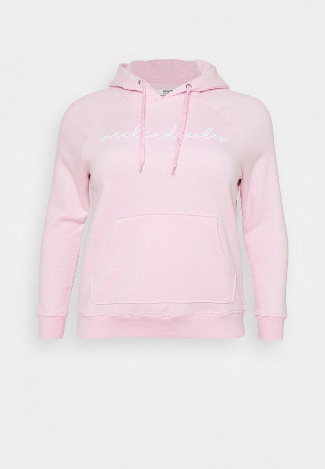EMBROIDERED WEEKEND VIBES HOODIE - Sweatshirt - pink