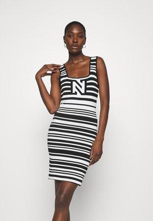 JEAN DRESS - Jumper dress - white/black