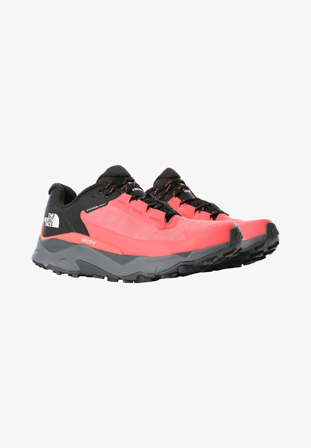 W VECTIV EXPLORIS FUTURELIGHT - Outdoorschoenen - fiesta red tnf black