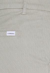 Lindbergh - SUPERFLEX PANTS  - Pantalon classique - light grey - 5