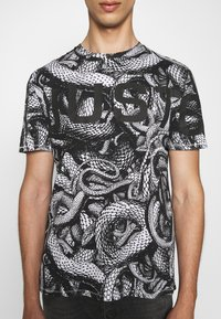 Just Cavalli - Print T-shirt - black/white - 5