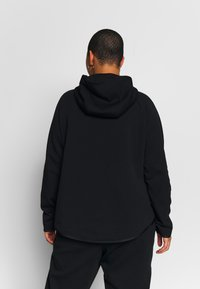 Nike Sportswear - CAPE PLUS - Collegetakki - black/white - 2