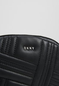 DKNY - ALLEN - Bum bag - black/silver - 6