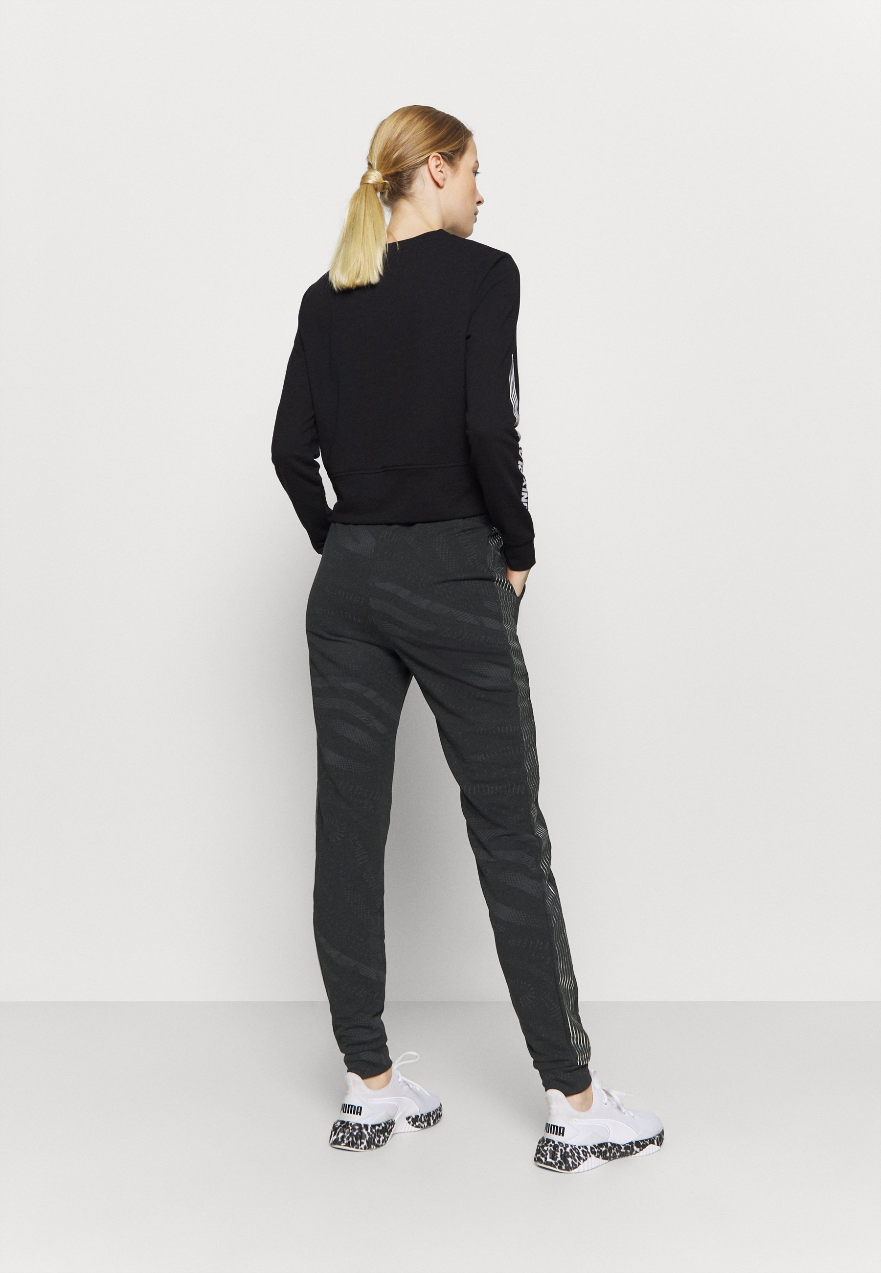 ONLY Play ONPONAY SLIM PANTS - Tracksuit bottoms - black/silver mzjPy