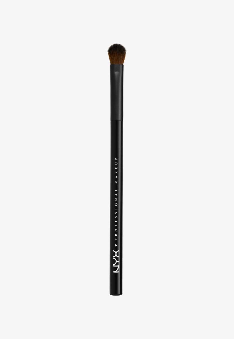 Nyx Professional Makeup - PRO BRUSH - Pinceau fard à paupières - 13 shading