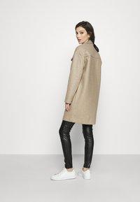 Vero Moda - VMBONUSRAY  - Classic coat - silver mink melange - 2