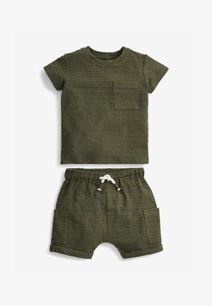 SET - Shorts - khaki