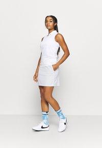 Nike Golf - DRY VICTORY SKIRT SOLID - Sportovní sukně - white - 1