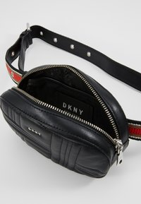 DKNY - ALLEN - Bum bag - black/silver - 4