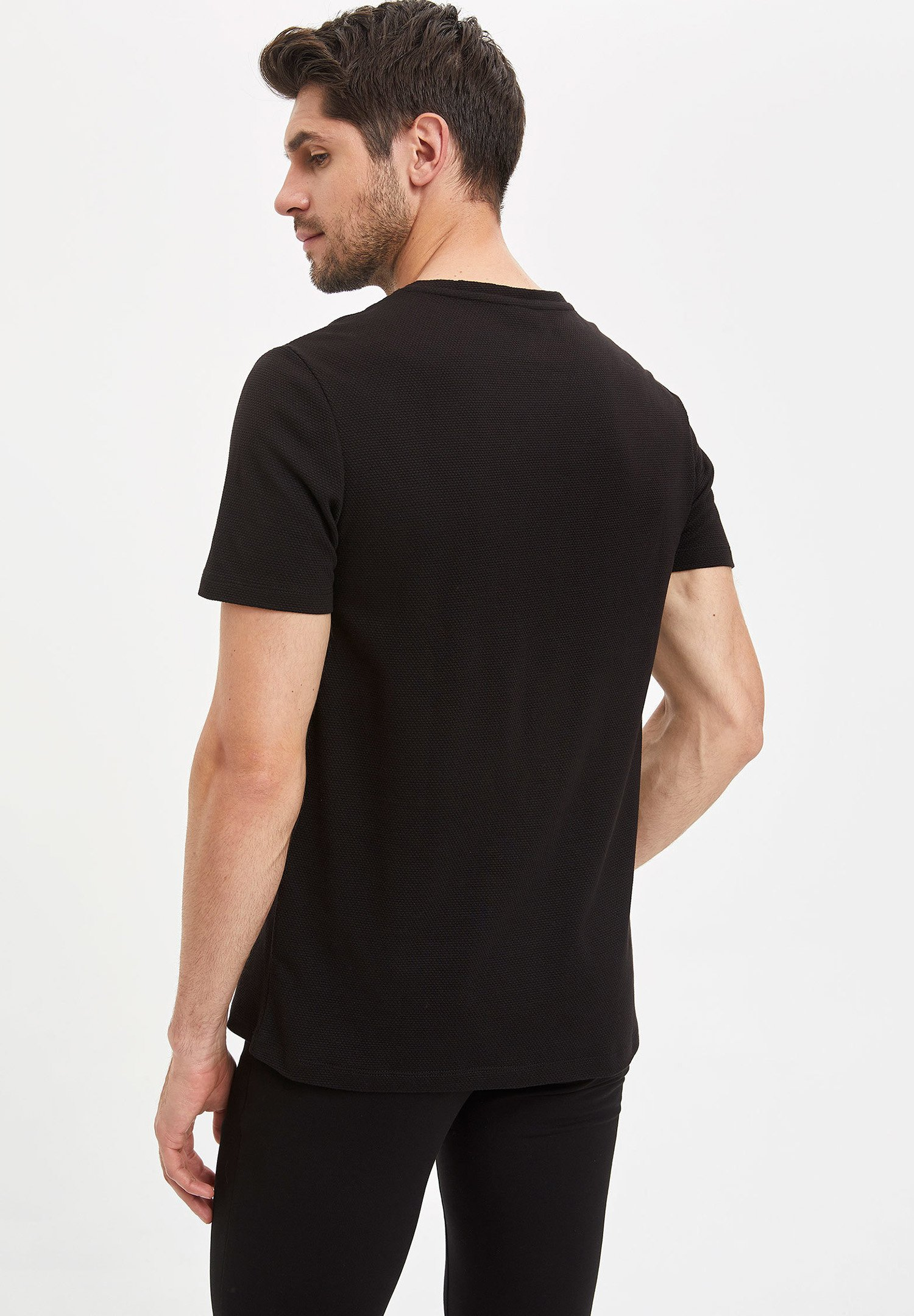DeFacto Basic T-shirt - black vtmtR