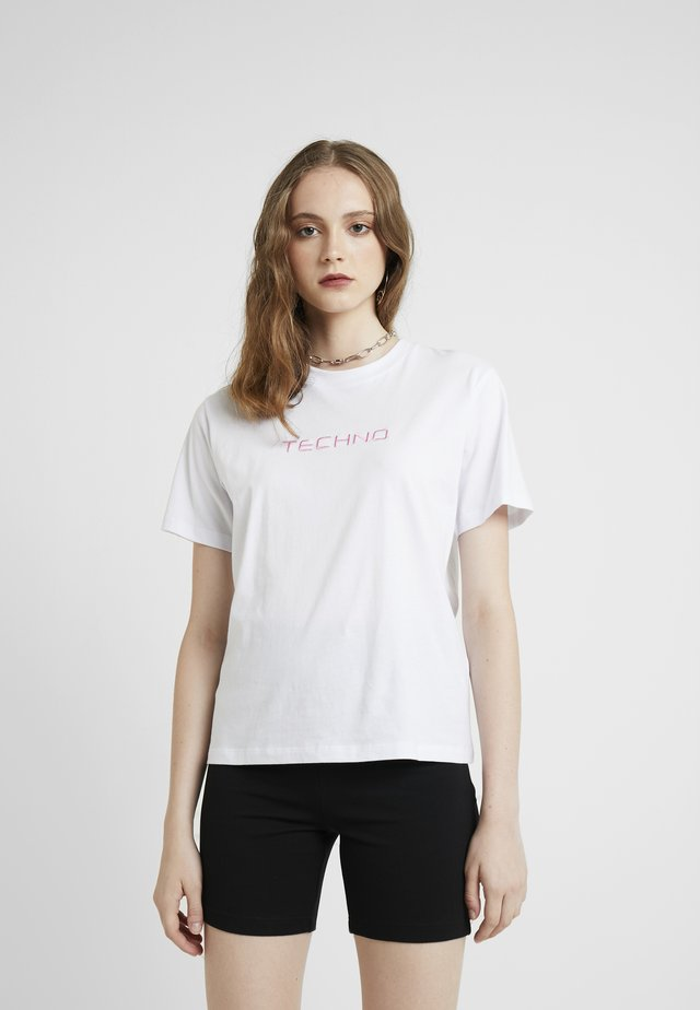 OLINE TECHNO  - T-shirt imprimé - white