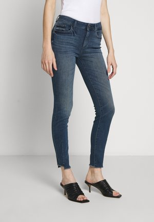 FLORENCE MID RISE INSTASCULPT - Skinny džíny - barbon
