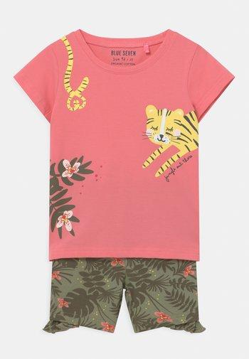 SMALL GIRLS TIGERJUNGLE SET - T-shirts print - pink
