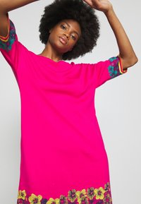 Ivko - DRESS INTARSIA PATTERN - Strikket kjole - pink - 3