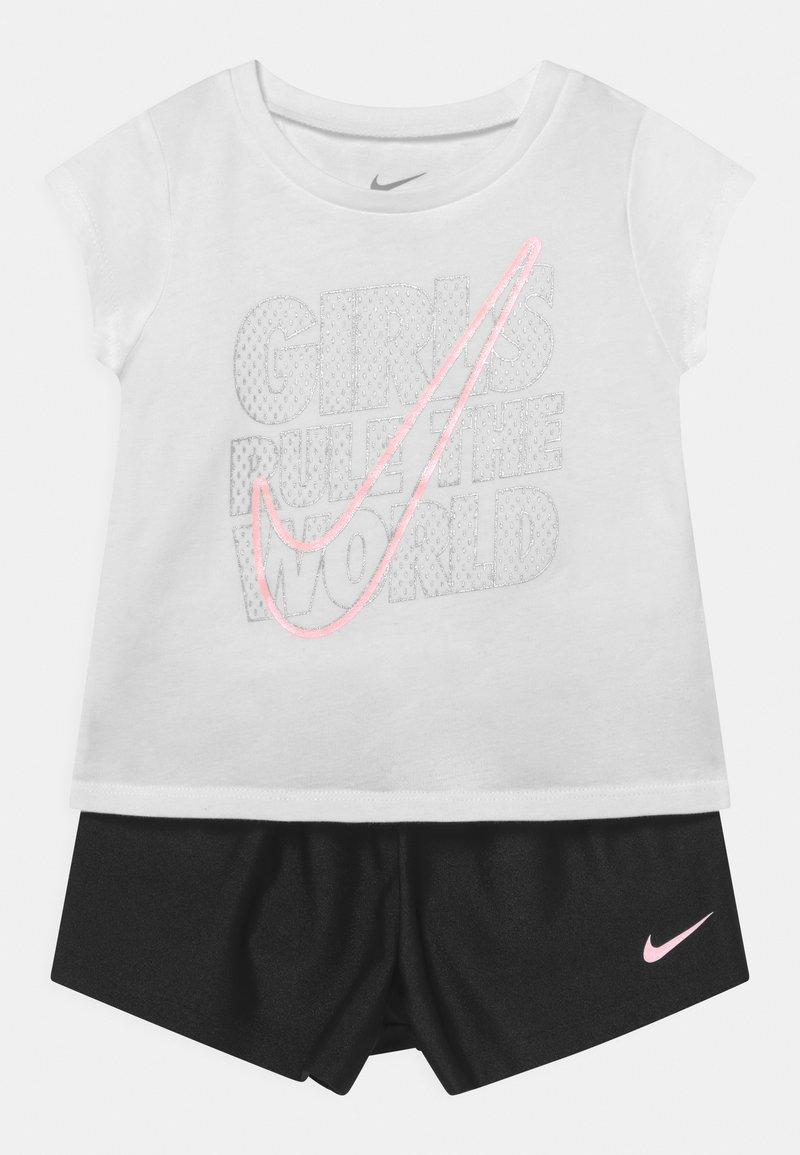 Nike Sportswear - PRACTICE PERFECT SET - Print T-shirt - black