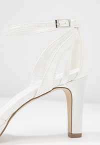 Menbur - High heeled sandals - white - 2