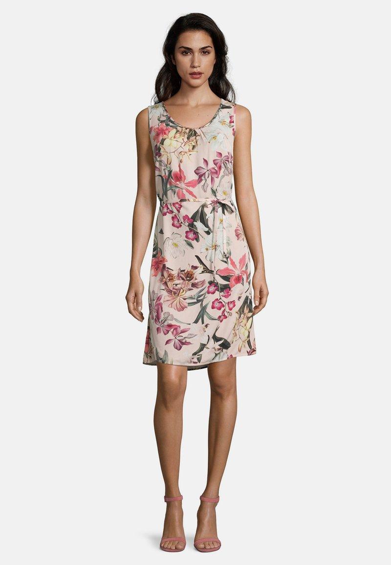 Betty & Co - Day dress - rosa/violett