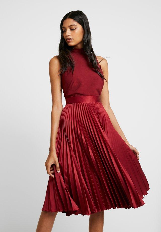 PLEATED SKIRT DRESS - Cocktail dress / Party dress - burgundy