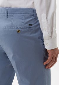 BRAX - STYLE JIM S - CHINO - Trousers - sky - 4