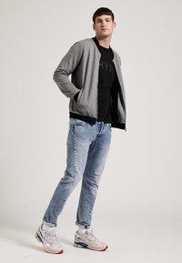 Phyne - veste en sweat zippée - dark grey - 1