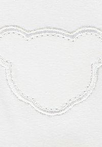 Steiff Collection - STEIFF COLLECTION JOGGINGHOSE MIT TEDDYBÄRFÖRMIGEN KNIESCHONERN - Tracksuit bottoms - bright white - 2