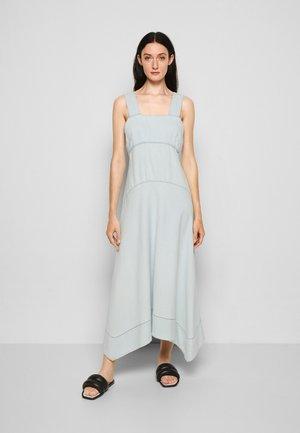 CHAMBRAY SEAMED DRESS - Robe d'été - bleach/light blue