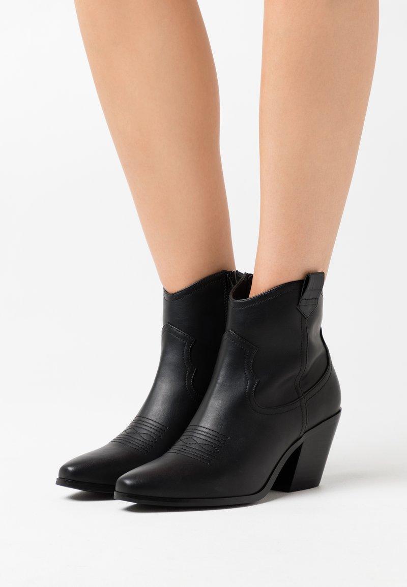 Bianco - BIACLEMETIS WESTERN BOOT - Cowboy/biker ankle boot - black