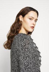 Evans - V NECK MONO DRESS - Jersey dress - black - 4