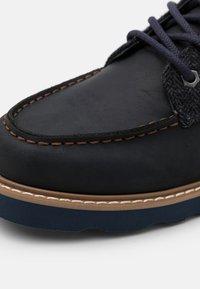 HKT by Hackett - WORK BOOT - Šněrovací kotníkové boty - navy - 5