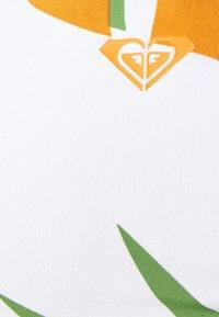 Roxy - WILDFLOWERS BANDEAU - Horní díl bikin - turf green undertone - 4
