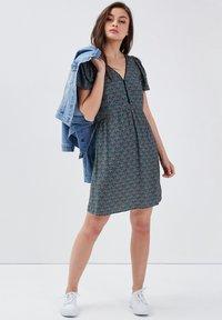 BONOBO Jeans - Robe d'été - vert turquoise - 1