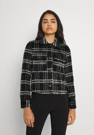 ONLCLAIRE CHECK SHORT JACKET - Summer jacket - black/white