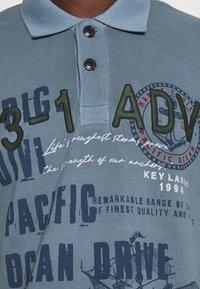 Key Largo - AGENCY - Polo shirt - flintstone blue - 5