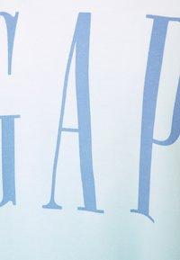 GAP - BOXY TEE - Print T-shirt - blue - 2