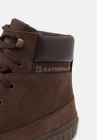 Caterpillar - PASSPORT CLASSIC - Sneakers alte - chocolate - 5