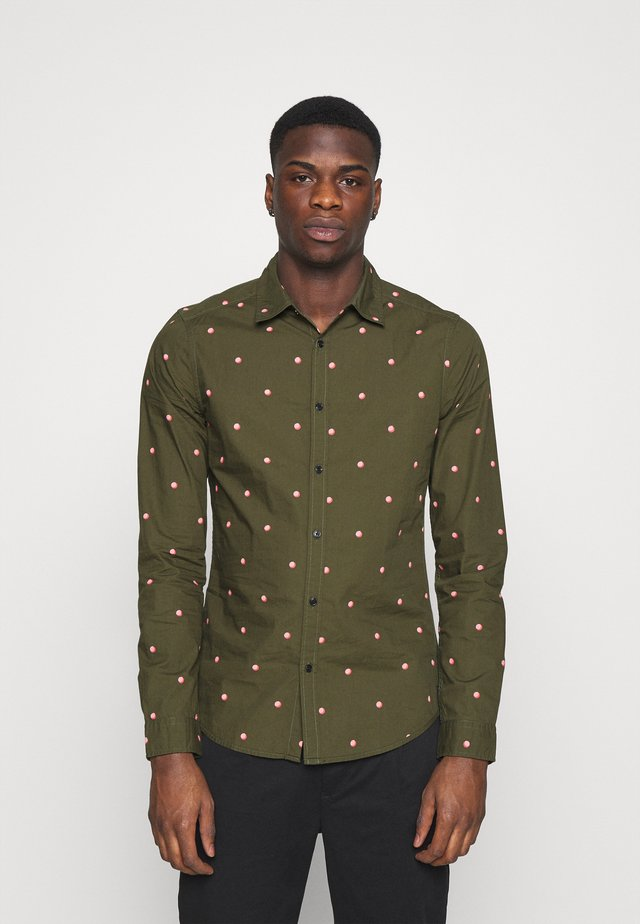 SLIM FIT WITH ALL OVER PRINT - Camisa - dark green/light pink