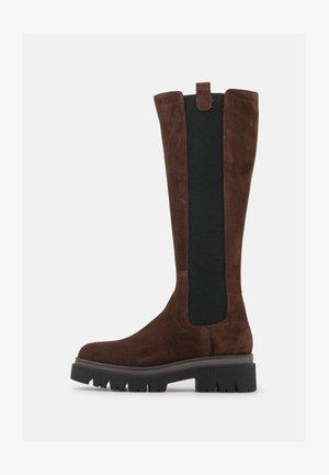 Platform boots - chocolate