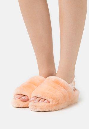 FLUFF YEAH SLIDE - Platform sandals - scallop