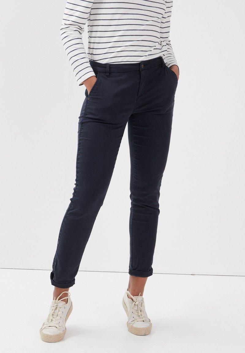 BONOBO Jeans - Pantalones chinos - bleu foncé