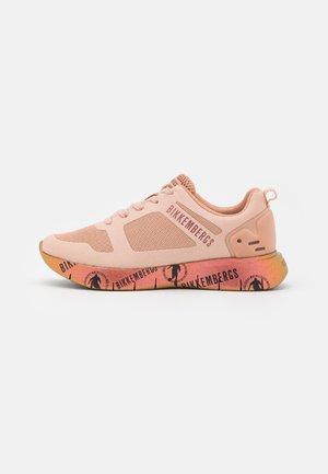 FLEURIENNE - Sneakers basse - rose