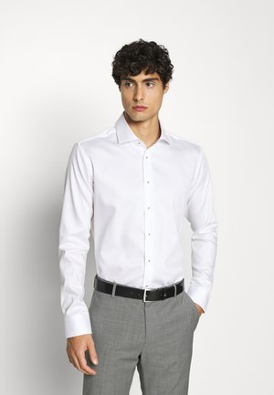 SLIM LIGHT SPREAD KENT PATCH - Camicia elegante - weiß