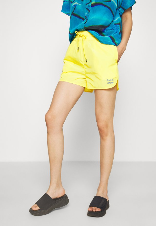 SABRINA - Shorts - yellow