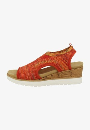 Sandały na koturnie - orange-multi