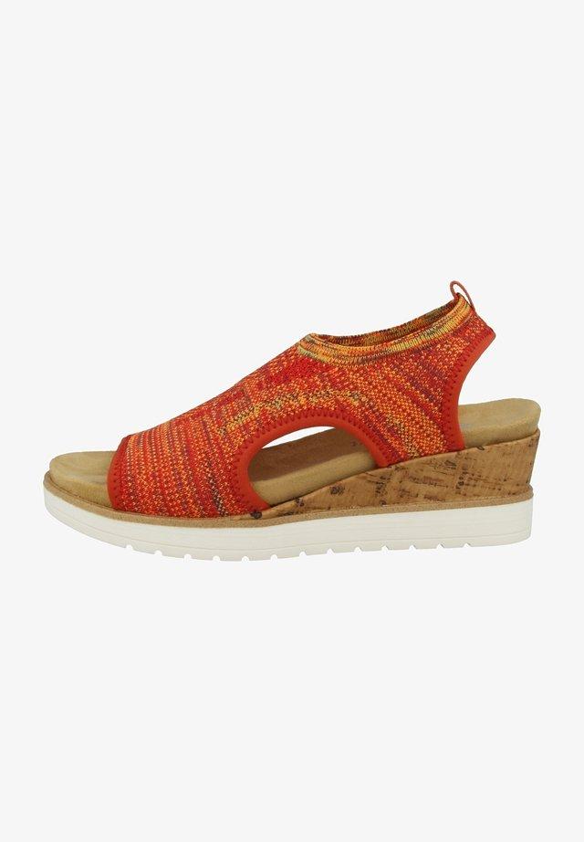 Sandaler m/ kilehæl - orange-multi